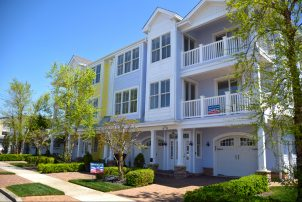 1611 Surf Ave #1 *Hemingways by the Sea* FAMILIES OR ADULTS OVER THE AGE OF 27 ONLY SHOULD INQUIRE