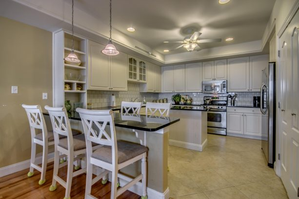 Kitchen Counter Seating for 5