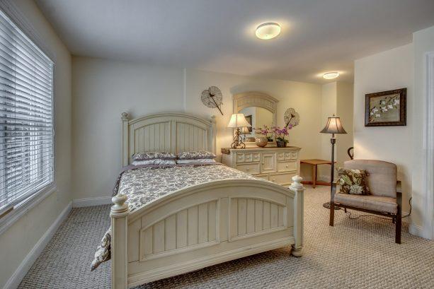 En-suite Bedroom (2nd Pic)
