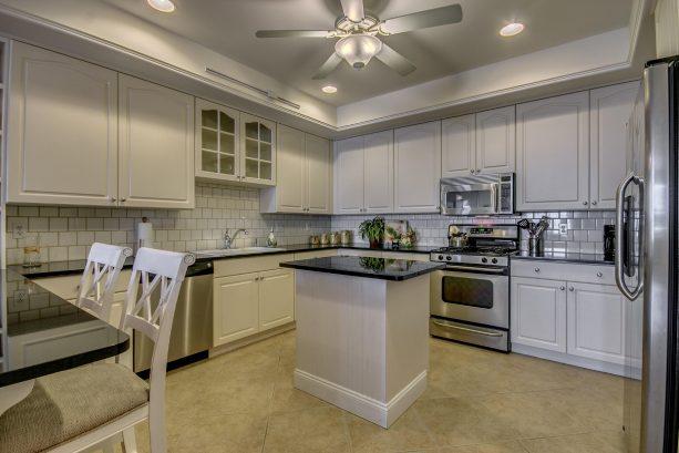 Kitchen Plenty of Cabinet Space