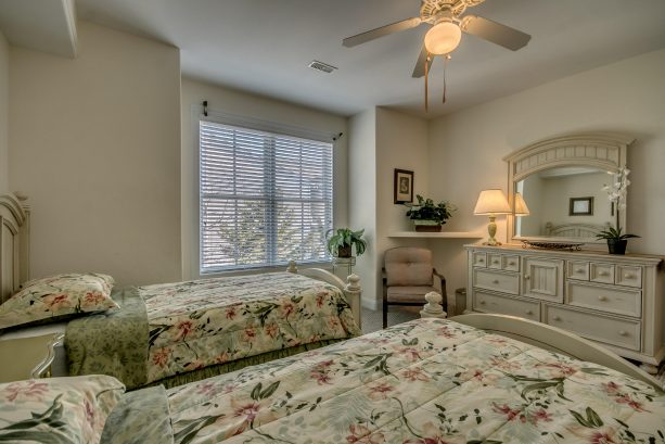 Twin Bedroom (2nd pic)