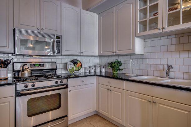 Kitchen Plenty of Cabinet Space.