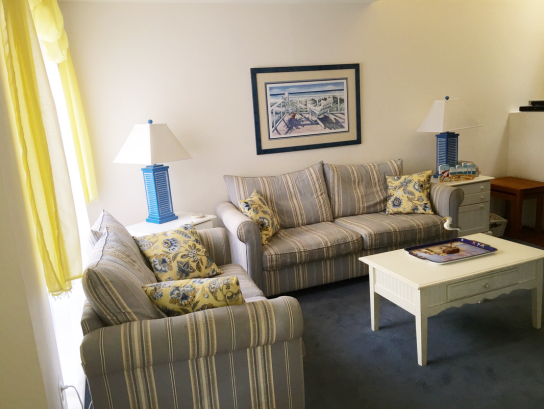 Labor day week discounted! Beachblock 4 bedroom 3 bath garage