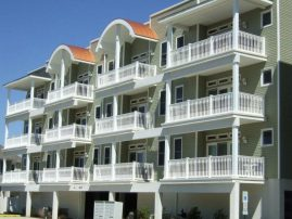 OCEAN FRONT VIEWS! Pool, WIFI, Beautiful decor ~ JULY Aug Wks AVAIL~ 7.6 wk $3495 !