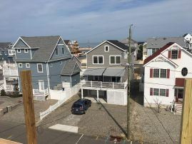 BRAND NEW BEACH BLOCK HOME-AMAZING OUTDOOR SPACE-4BR&3Full bathrooms-sleeps 10