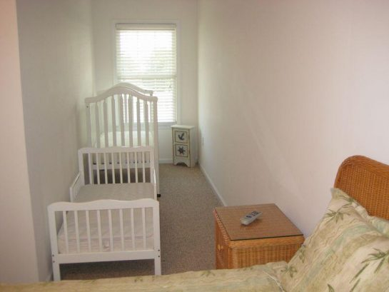 Master Bedroom Outcove W/ Crib & Toddler Bed