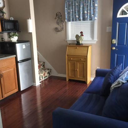 Kitchenette and Pull out Full Sofa