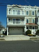 21st Street Beach Block - Ocean Views, Pool 4 bedrooms 2 baths sleeps 14