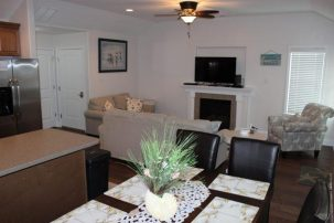 722 Moorlyn Terrace - 2nd floor (one block to the beach & Boardwalk)
