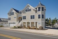 NEW OCEANSIDE DUPLEX * Gorgeous 1st Floor * 4500 Ocean Blvd.