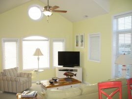 Quiet Top Floor End Unit Condo. Great Location With Beautiful Ocean Views. WEEK OF 6/22 AVAILABLE