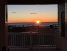 Brand new oceanfront 2 family house, spectacular views, parking, beach badges