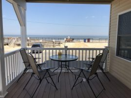 1yr new oceanfront 2 family house, spectacular views, parking, beach badges
