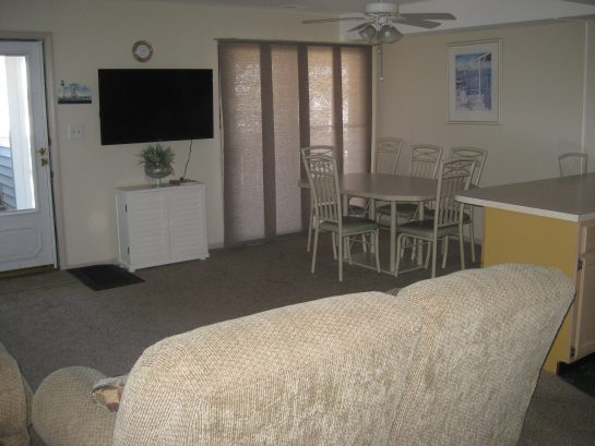 16th Ave Condo- Close to Beach and Boards