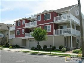 GREAT CONDO!! HEATED POOL!! ONLY 1 BLOCK TO BEACH & BOARDWALK!!