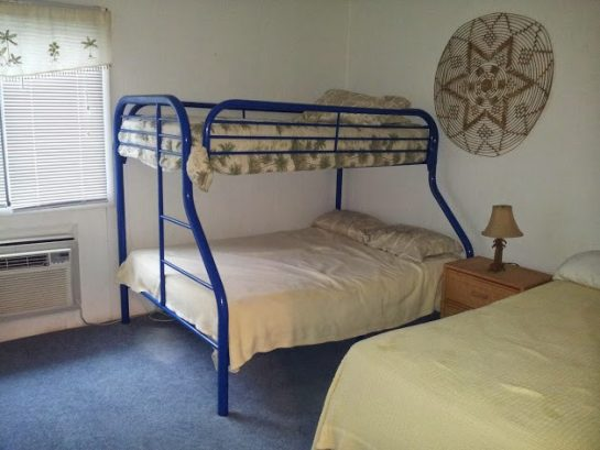 2nd bedroom - pyramid bunk and twin bed