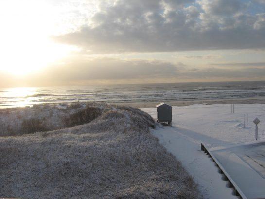 Winter snowfall on 14th street beach