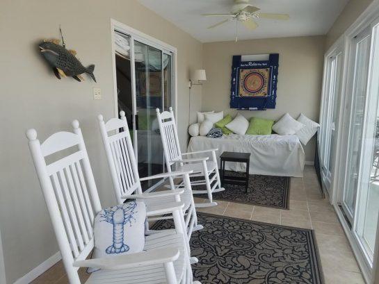 Enclosed 1st FL porch