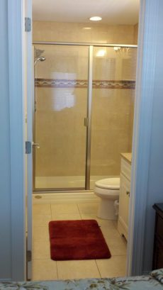 Ceramic Tiled Glass MBR 5 Foot Shower with Hand Shower