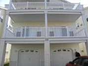 Not your Average Rental ! Beat Traffic Check in/Check out Times. 2 BLKS to Beach.