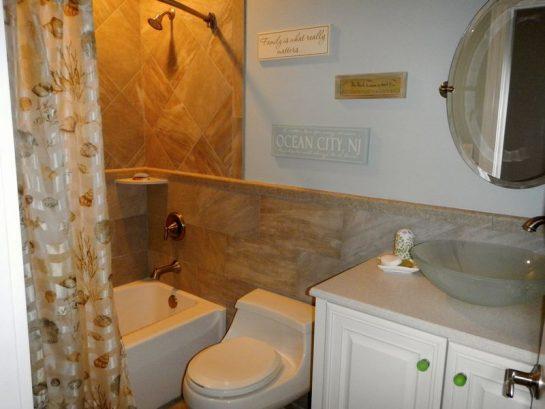 3rd Bathroom With A Tub/shower