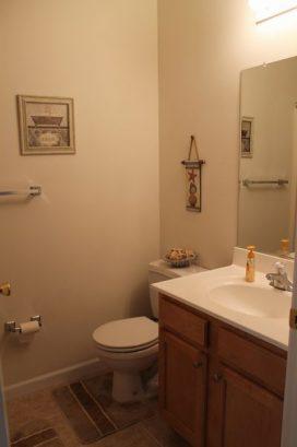 Hallway Full Bathroom #2.
