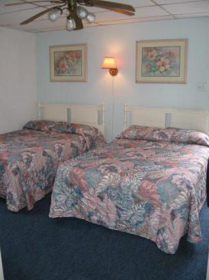 BEDROOM 304#4&5