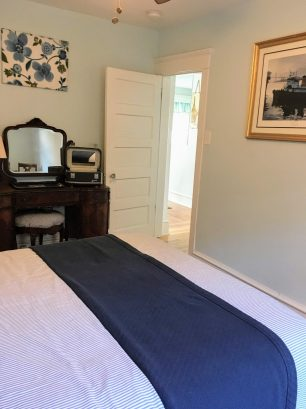 Queen Bedroom Vintage Cottage