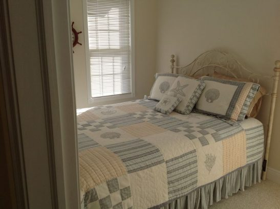 2nd Fl. BR, W/queen Bed & Tv With Access To Another J&j Bathr