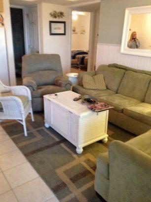 Living Area. Ceramic floor, Queen Sofa Bed, New Recliner.