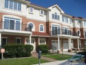 AAA Amazing Luxurious Townhouse with Pool & Hot Tub!