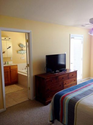 Master Bedroom/Bathroom-3rd Floor