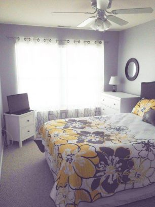 Queen Bedroom- 3rd Floor