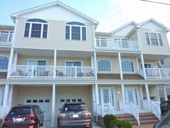 Gorgeous 4 Bedrooms, 3 Full/1 Half Bath Townhome, 2 Blocks From Beach And Boards