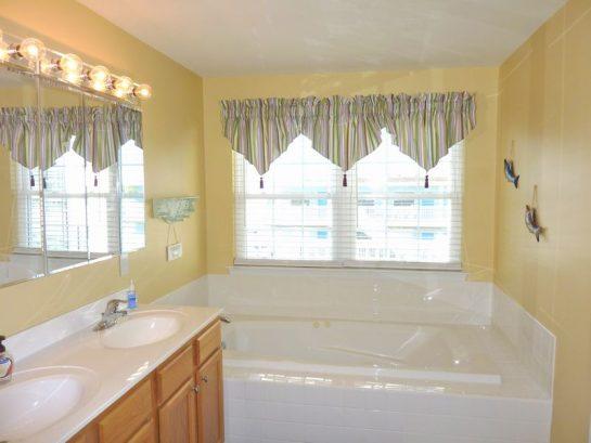 Master Bathroom-3rd Floor