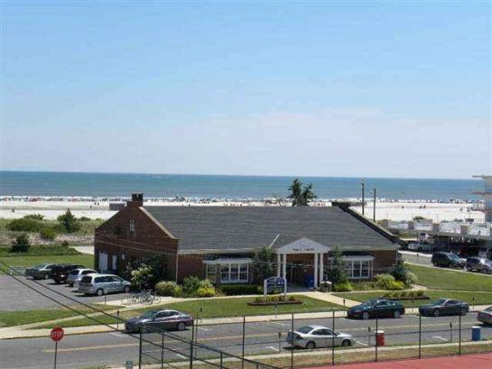 THE BEACH IS CALLING!!! UNOBSTRUCTED VIEWS FROM THE BALCONY