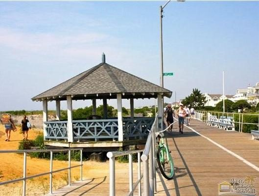 The 20th street beach gazebo.