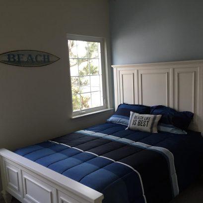 Bedroom on Main Level - Queen Bed