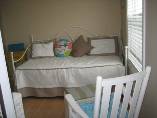 3rd Bedroom - Day bed with trundle