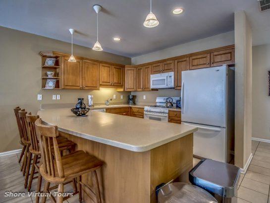 Modern-well stocked -  Open Kitchen