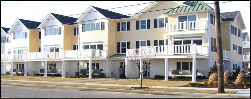 10th & Ocean Ave, 4 Bedrooms, 2 1/2 Baths, Sleeps 12