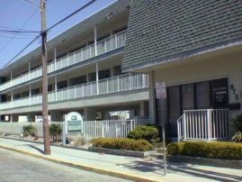 875 Plymouth Place, Unit 10