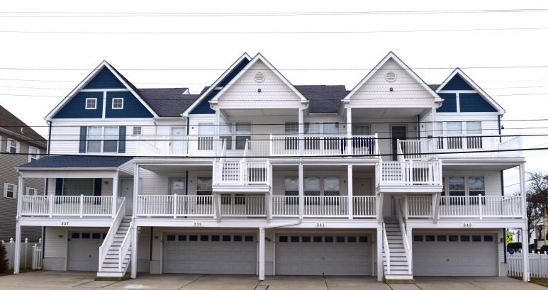 Perfect location!!!!, Ocean views, 1 block to the beach & boardwalk, family friendly!
