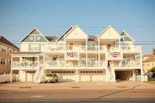 Special Event Fall Weekends still available! Ocean view great location!