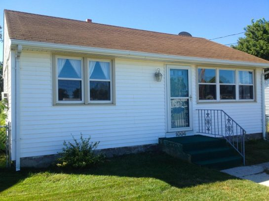 Best Location in Cape May! Short Walk to Beach! Wifi! Pool Access, Ample Parking
