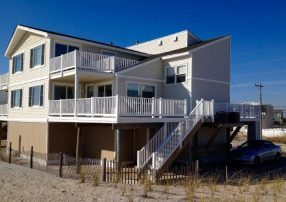 5 Bdrm Spectacular Beachfront with Endless Views