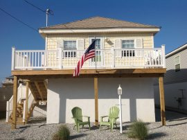 Pet Friendly Beach House $1495 Aug 25 th !!! Set /Oct $1400