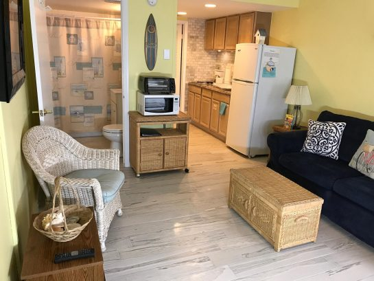 Summer Sands Unit 219 -1BR Condo; Sleeps 6! Few short steps to the beach!!!