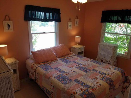 Queen Bedroom. 1st Floor