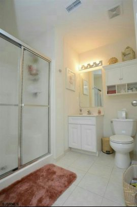 MASTER BATHROOM/ SHOWER